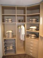 Компактни гардероби за ваканционни жилища