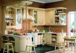 Проект за кухня от масивна дървесина в бяло по поръчка