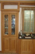 дъбови състарени шкафове