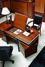 бюро от масив внос от Италия