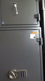 Сейфове с електронен код, за неподвижно закрепване към стена